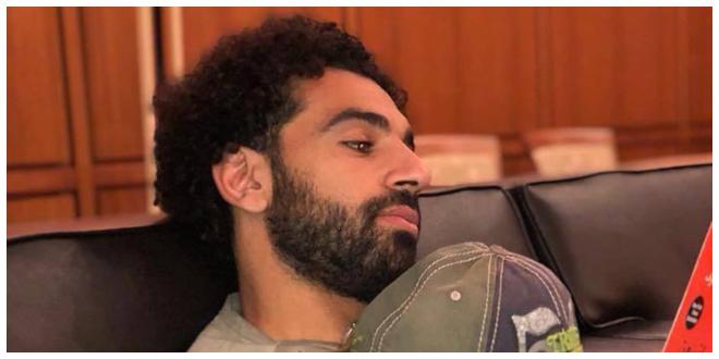 صورة ماذا يقرأ محمد صلاح حاليا ؟