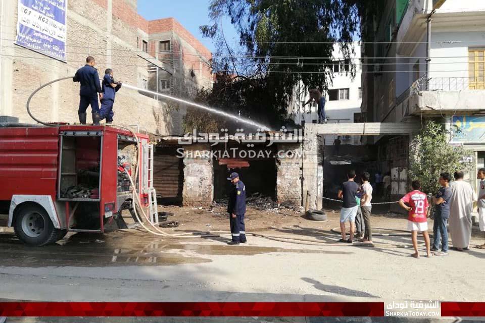 حريق ضخم في مخزن بجوار بنك القاهرة بأبوكبير