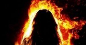 زوج يشعل النيران في زوجته بههيا