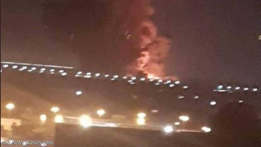 صورة وزير الطيران: حركة الملاحة منتظمة ولا يوجد أي خسائر داخل مطار القاهرة