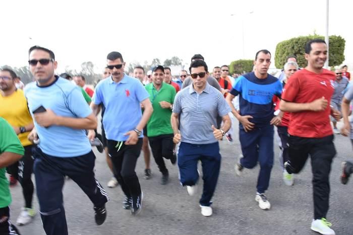 وزير الشباب والرياضة يطلق ماراثون «يلا نجري» بالعاشر من رمضان2
