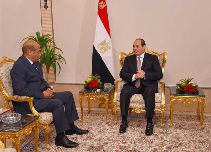 صورة السيسي يكلف عبدالمنعم التراس برئاسة العربية للتصنيع