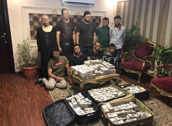 صورة تفاصيل القبض على عصابة سرقت 18 مليون جنيه من سيارة أموال بمدينة نصر