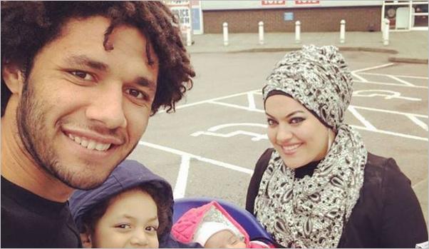 صورة بعد أن حذف صورتها .. حقيقة انفصال محمد النني عن زوجته