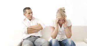 تصاب غالبية النساء بصداع شبه دائم