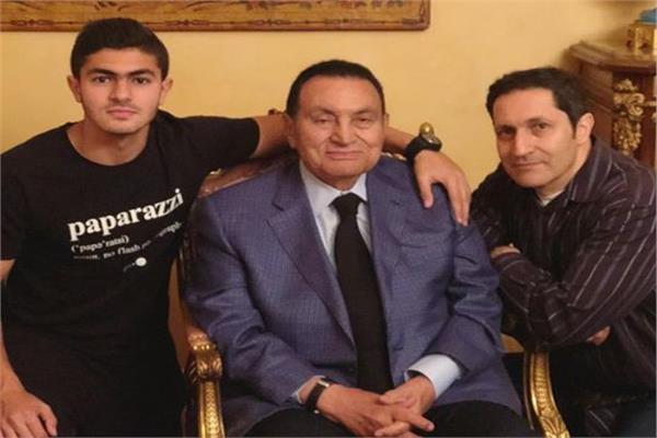 صورة أحدث ظهور لحفيد مبارك برفقة نجل أحمد السقا