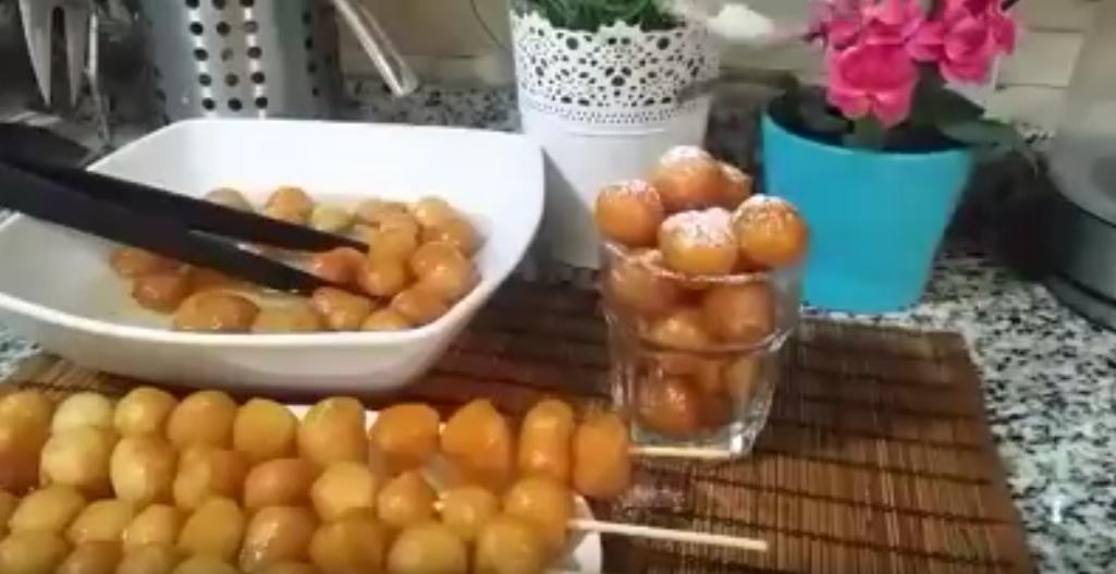 صورة أسهل طريقة لعمل الزلابية من مروة الشافعي بالعسل الأبيض و صوص الشكولاتة