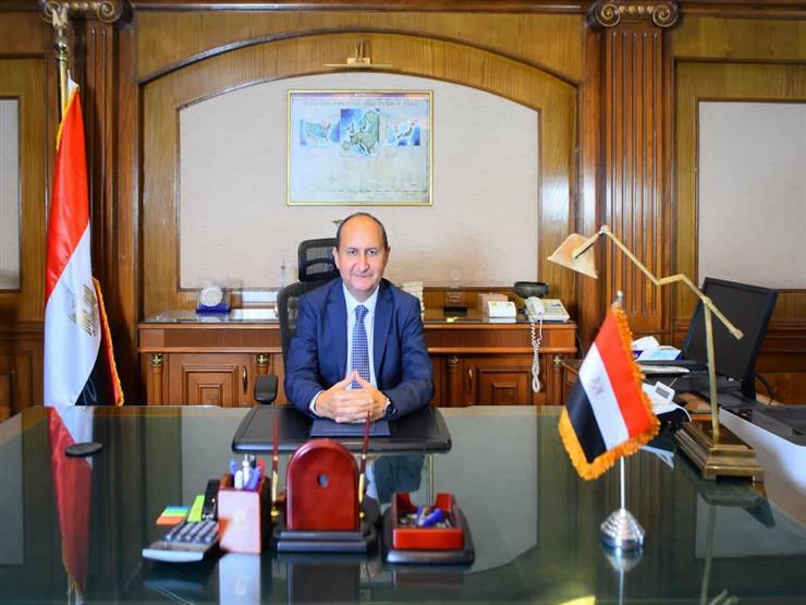 صورة وزير الصناعة يقرر إلغاء رسوم تصدير السكر للخارج
