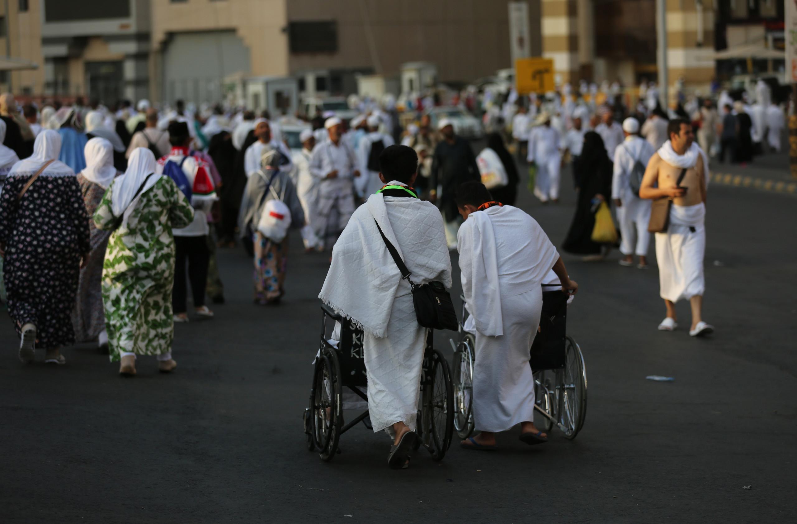 صورة 2 مليون حاج يتوافدون على مشعر منى قبل التوجه لصعيد عرفات