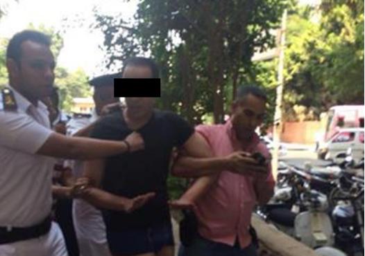 صورة الداخلية تحبط محاولة إلقاء عبوة ناسفة على السفارة الامريكية بالقاهرة