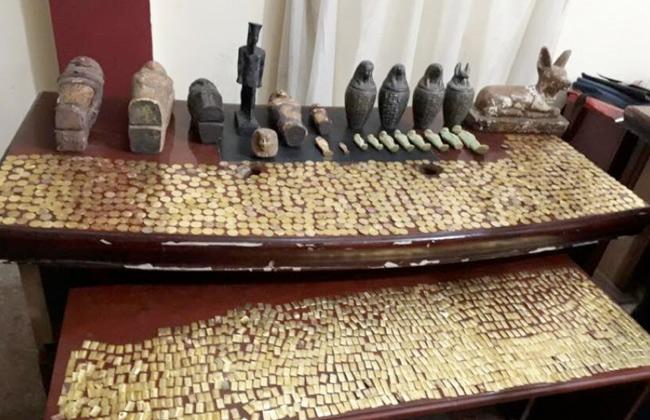 صورة العثور على كنوز أثرية داخل منزل عاطلين في بني سويف