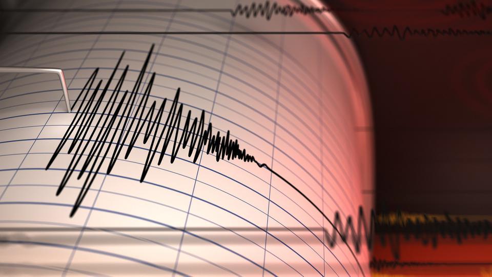صورة زلزال مفاجئ يضرب اليونان