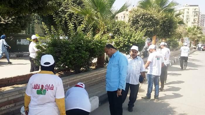 صورة محافظ الشرقية يطلق مبادرة «شارك و نظف» لتنظيف الشوارع والرسم على الجدران بالزقازيق