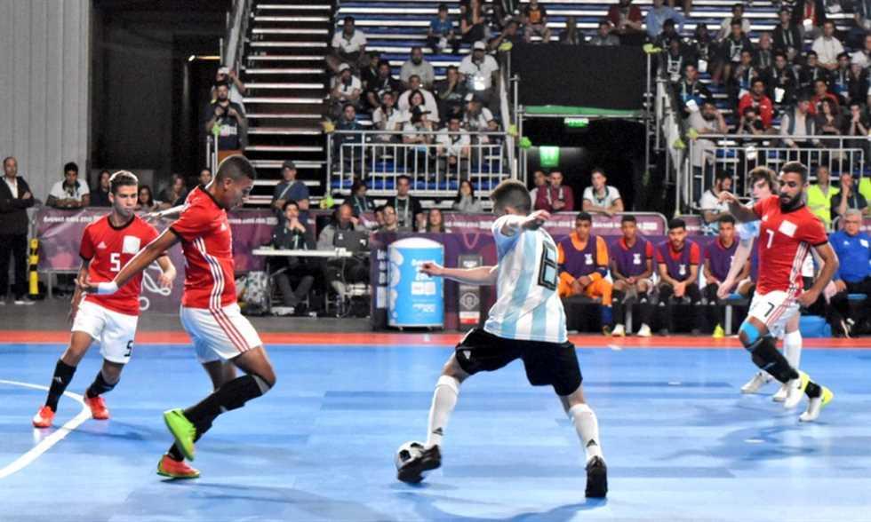 صورة مصر تفوز على الأرجنتين وتتوج ببرونزية كرة الصالات في أولمبياد الشباب