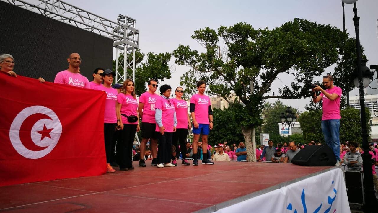 صبري تشارك في ماراثون جري بتونس للتوعية بمرض سرطان الثدي 3