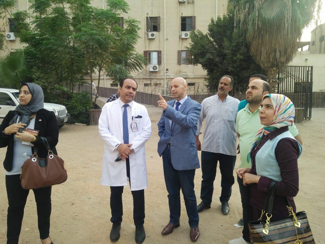 وكيل صحة الشرقية يصرف مكافأة لأطباء وتمريض مستشفى أبو كبير