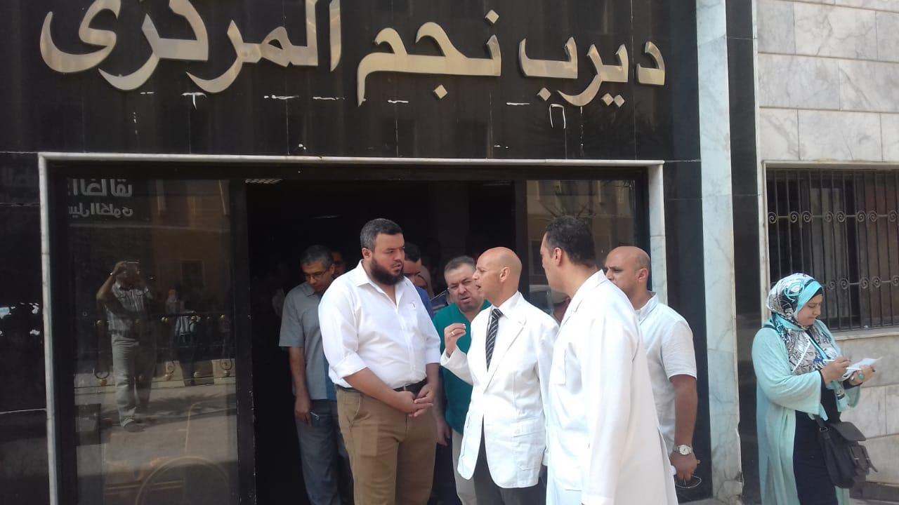 صورة وكيل صحة بالشرقية يزور مستشفي ديرب نجم ومستشفي القنايات