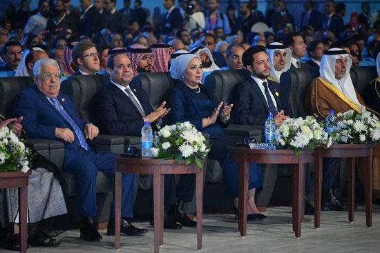 انتصار السيسي تعلق على حضورها منتدى شباب العالم