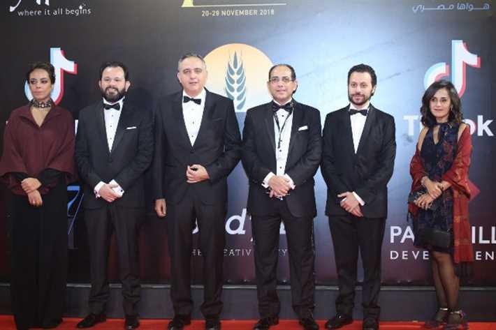 انطلاق فعاليات مهرجان القاهرة السينمائي بحضور رئيسه ونجوم الفن
