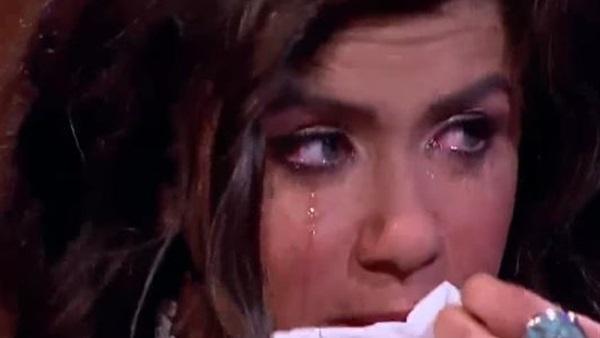 غادة عادل تنهار من البكاء على الهواء