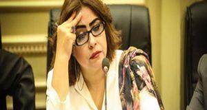 غادة عجمي تتراجع عن مشروع حظر النقاب