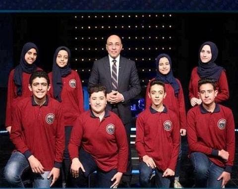 صورة محافظ الشرقيةيهنيء طلاب مدرسة عمر الفاروق بالزقازيق لفوزهم بكأس العباقرة
