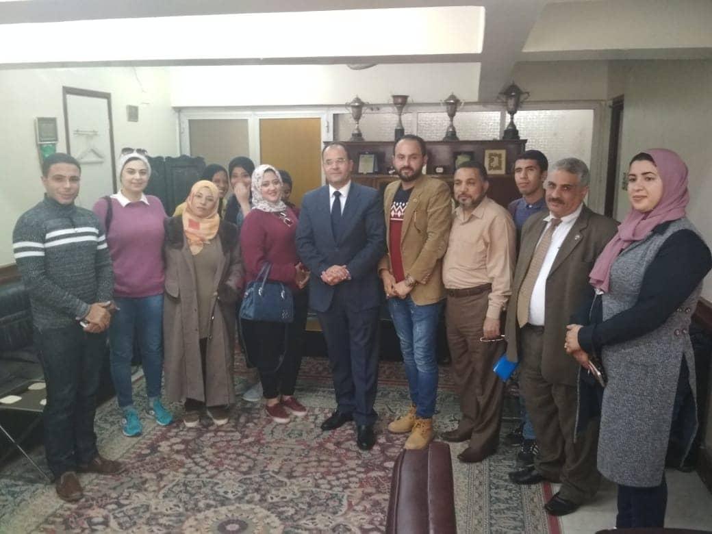 صورة القوى العاملة توفر أتوبيسات لنقل الشباب لملتقي توظيف العاشر من رمضان