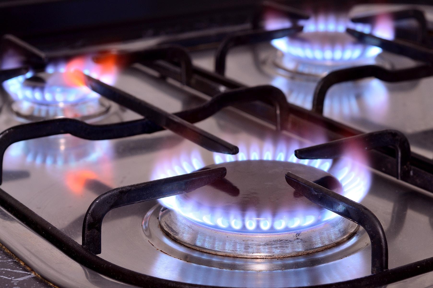 صورة البترول تعلن توصيل الغاز للمنازل بالتقسيط