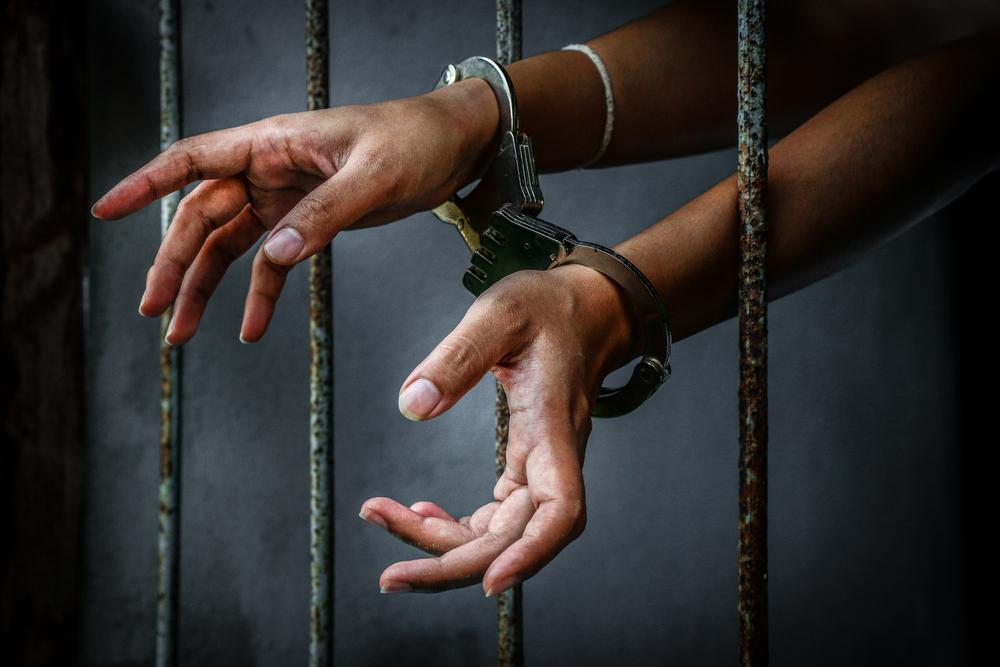 صورة جنايات الجيزة تقضى بالسجن 6 أشهر لأب بتهمة ضرب ابنته حتى الموت