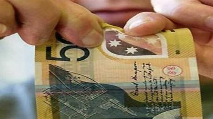 طارق عامر يكشف 5 مميزات عن العملات البلاستيكية