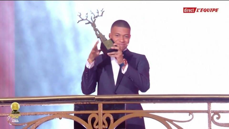 صورة مبابى يفوز بجائزة أفضل لاعب صاعد فى 2018