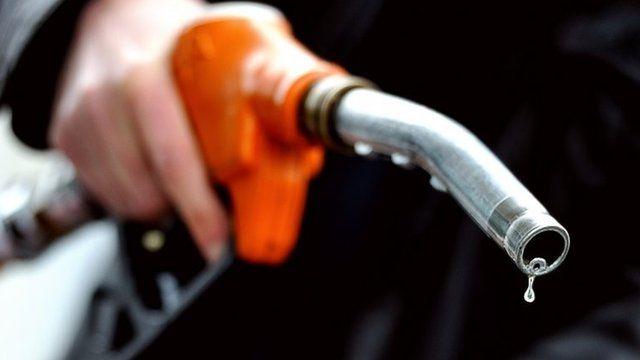 صورة وزير البترول: قد ترفع الدولة الدعم تماما عن البنزين والمحروقات
