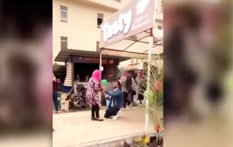 صورة جامعة المنصورة تخفف عقوبة طالب واقعة الحضن