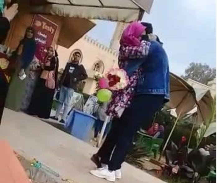 صورة الطالبة الأزهرية بطلة فيديو الحضن بجامعة المنصورة: كنت بحتفل بعيد ميلادي