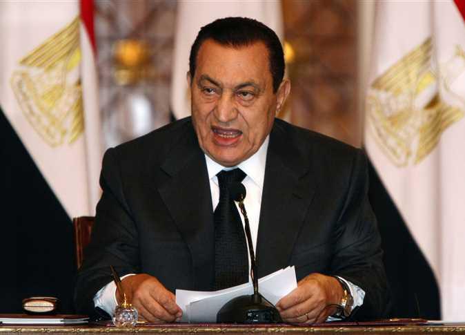 صورة سبب إقالة مبارك لوزير الصحة إسماعيل سلام على متن الطائرة