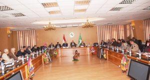 محافظ الشرقية يعقد اجتماعًا موسعًا برؤساء المراكز والمدن والأحياء