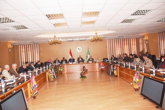 صورة محافظ الشرقية يعقد اجتماعًا موسعًا برؤساء المراكز والمدن والأحياء
