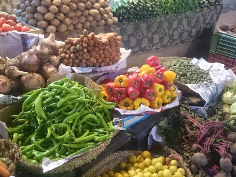 صورة تراجع كبير في أسعار الخضروات والفاكهة اليوم الثلاثاء