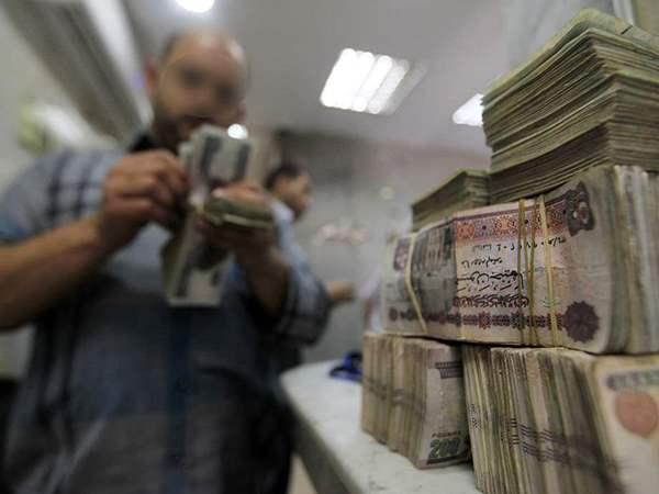 صورة مجلس الوزراء يكشف حقيقة تجميد رواتب الموظفين في الدولة