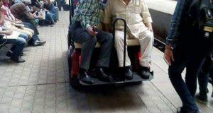 السكة الحديد توفر سيارات جولف لنقل كبار السن بمحطة مصر