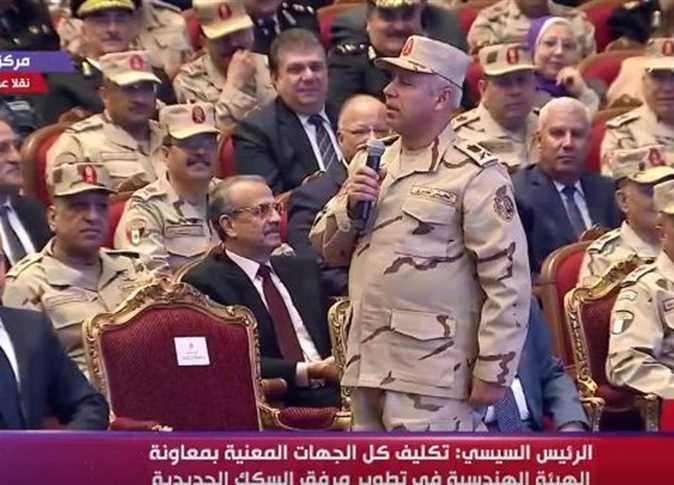صورة السيسي يكلف كامل الوزير وزيراً للنقل ويعلن سبب تأخره