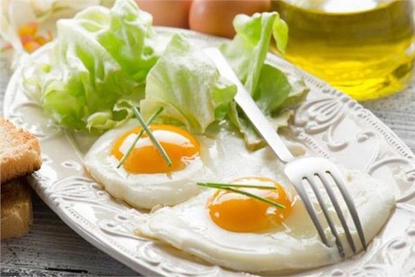صورة توضح المخاطر الصحية الكبيرة من تناول البيض