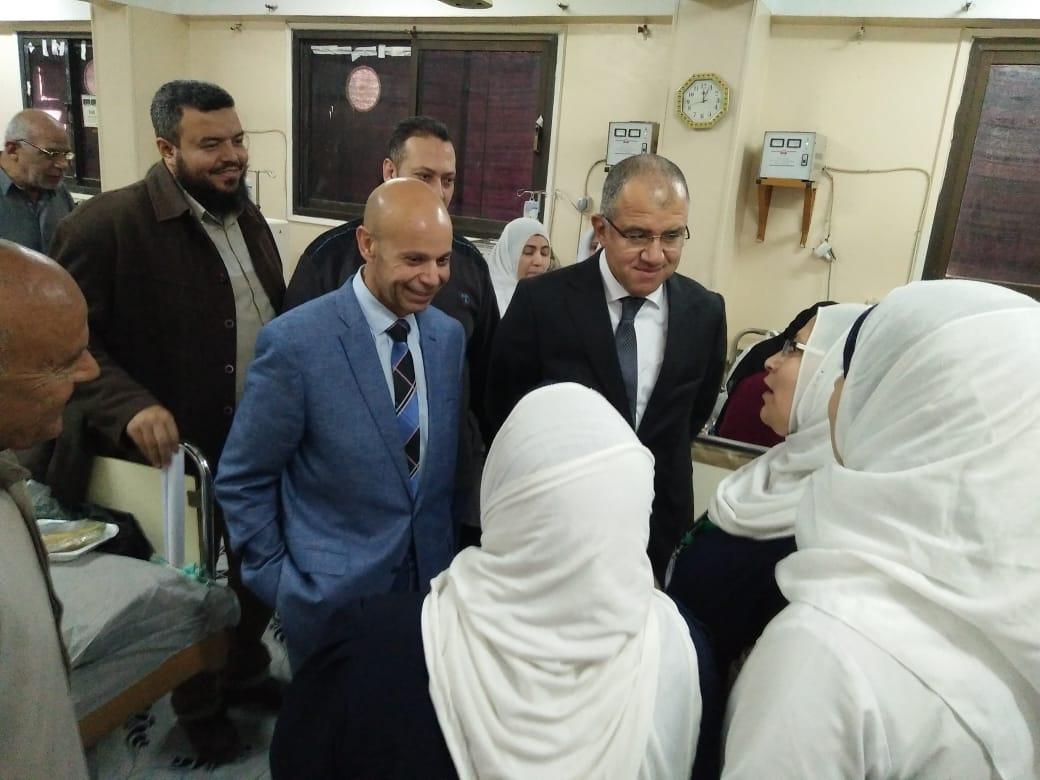 وكيل صحة الشرقية يتفقد الإدارات الصحية بقرى ديرب نجم