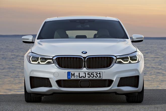 صورة التموين: 1700 مواطن يمتلكون سيارات BMW ويصرفون المقررات التموينية الشهرية