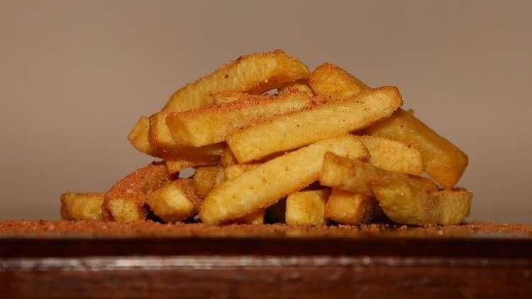 صورة علماء يحذرون من وجود مواد مسرطنة في البطاطس المقلية