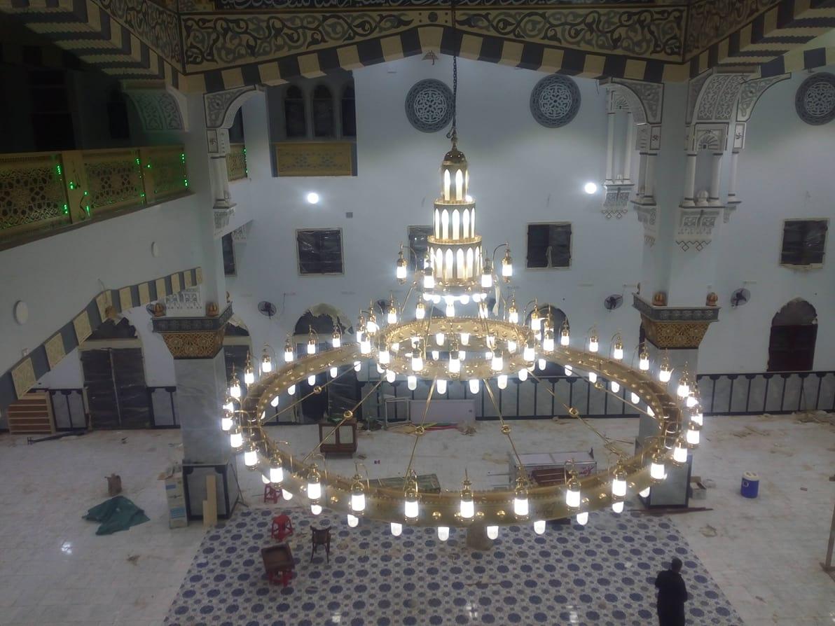 صورة أهالي هرية يقدمون الدعوة للرئيس السيسي لافتتاح مسجد أحمد عرابي