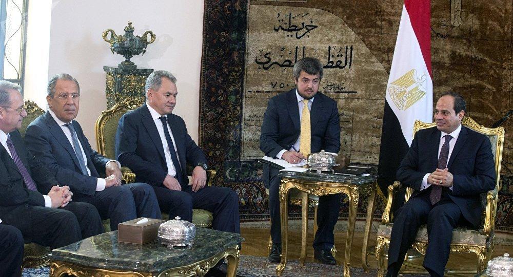 صورة السيسي يؤكد لوزير خارجية روسيا ضرورة التدخل الدولي في أزمة ليبيا