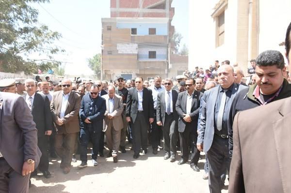 صورة جنازة شعبية للرائد «ماجد صبري» رئيس مباحث الشيخ زويد بفاقوس
