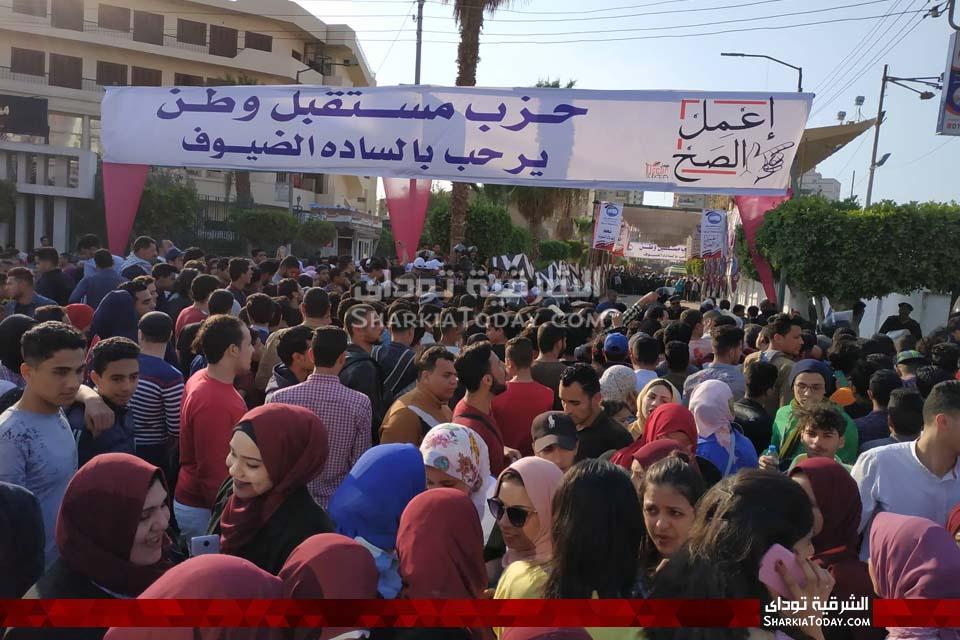 صورة زحام أمام بوابات استاد الزقازيق بسبب محمد حماقي