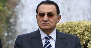 علاء مبارك ينشر صورة تاريخية لوالده